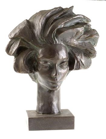 """escultura em bronze """"La Lione"""", Guillaume Guglielmi."""