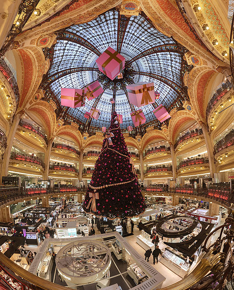 483px-Galerie_Lafayette_Haussmann_Dome
