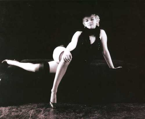 Marilyn Monroe - The Black Sitting